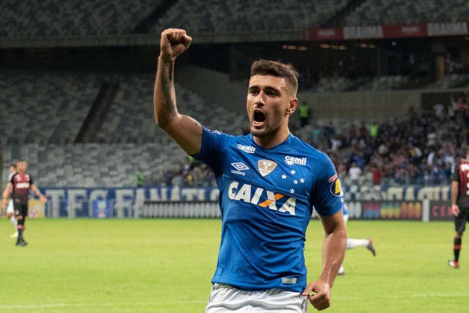 9d51aa273f Arrascaeta pede calma ao Cruzeiro contra o Flamengo