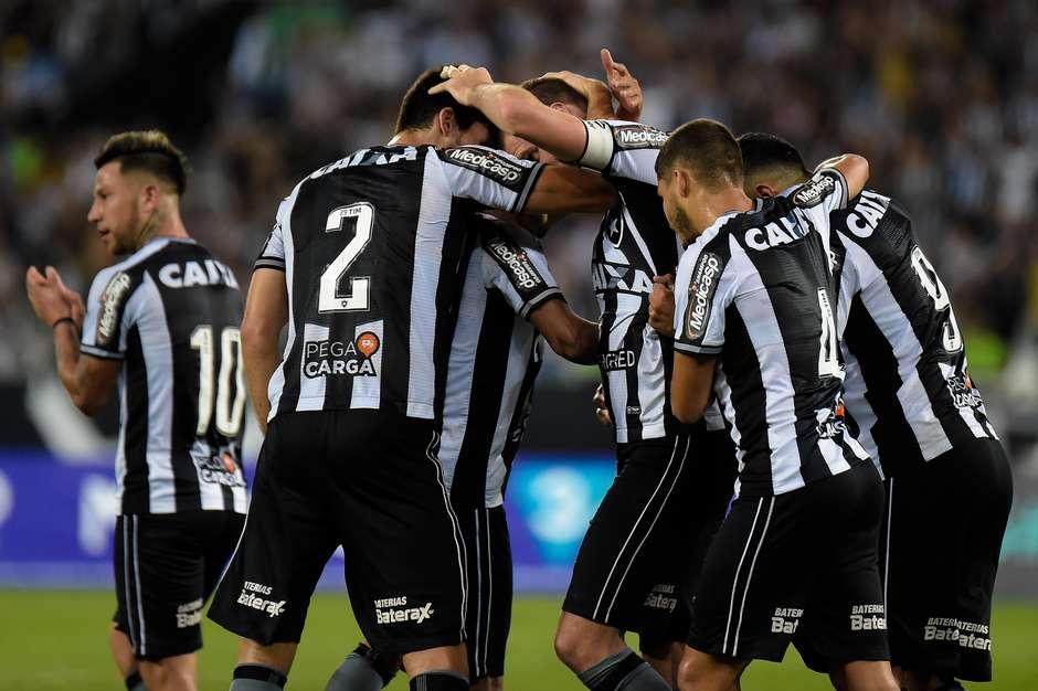 Botafogo vence e manda Sport para a zona de rebaixamento a839462bedb6a