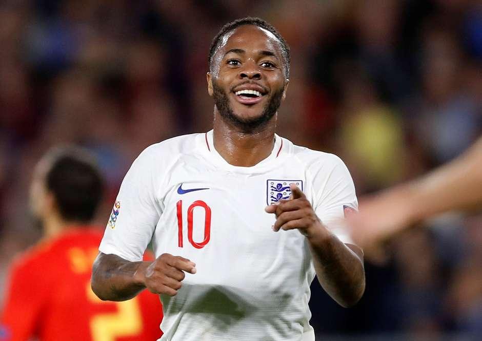 Inglaterra vence seleção espanhola em Sevilha com 2 gols de Sterling 217396b25022c