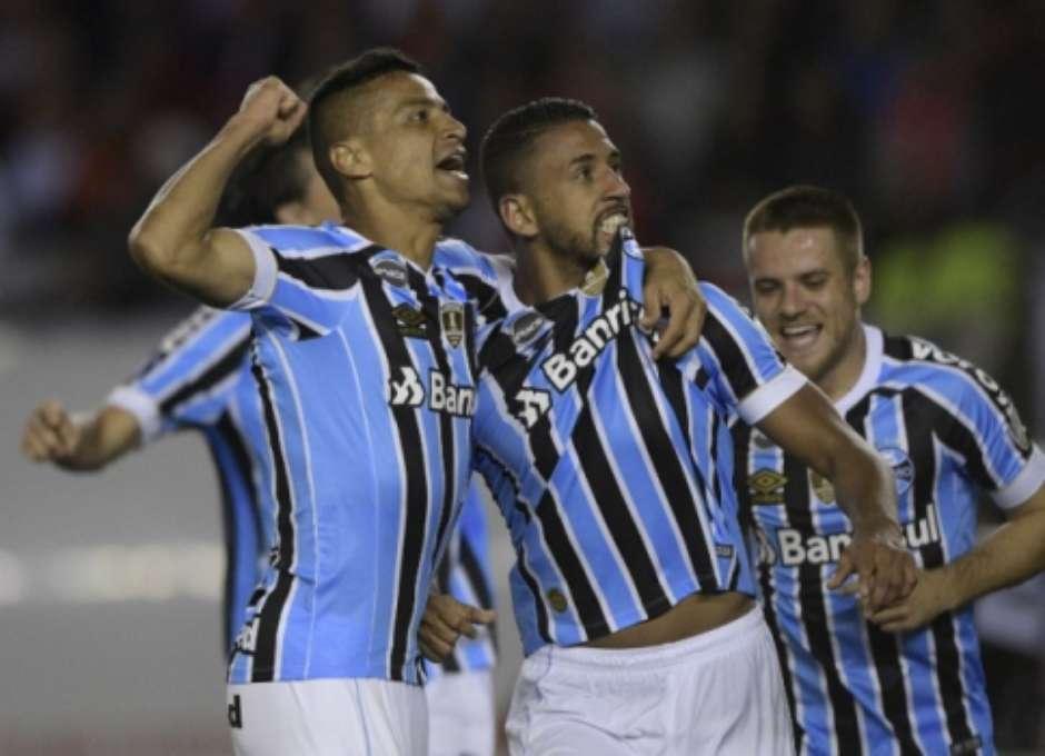 e087b29b69 Grêmio vence River Plate e se aproxima da decisão da Libertadores