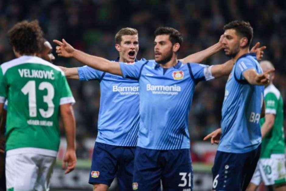 Resultado de imagem para Leverkusen goleia o Bremen e respira no Campeonato Alemão