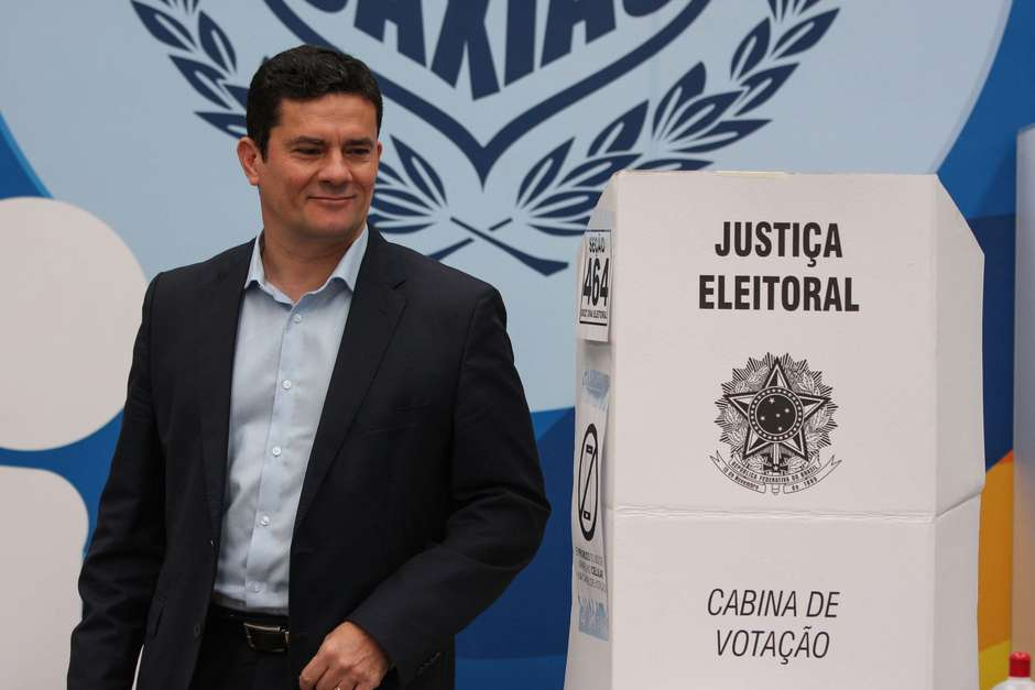 Resultado de imagem para Bolsonaro sugere Moro na Justiça ou no STF