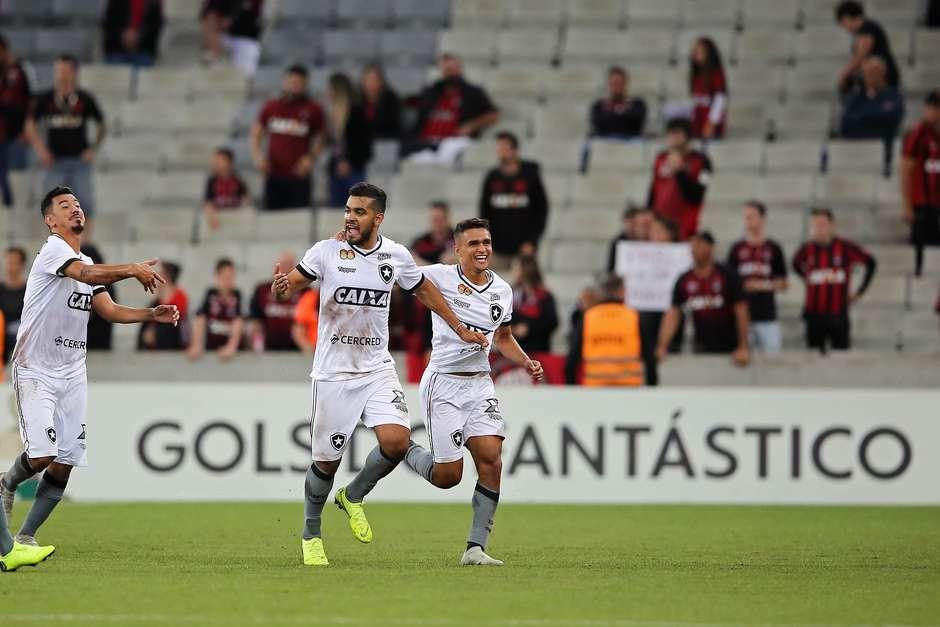 Botafogo minimiza histórico para evitar o rebaixamento 24976a76e6ce0