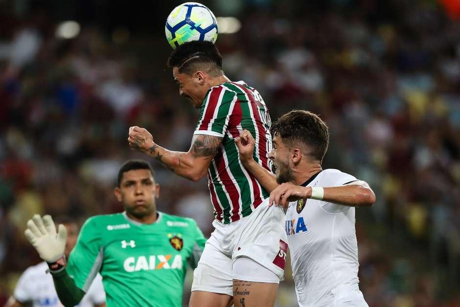 Fluminense pressiona 8de2a2e8eb347