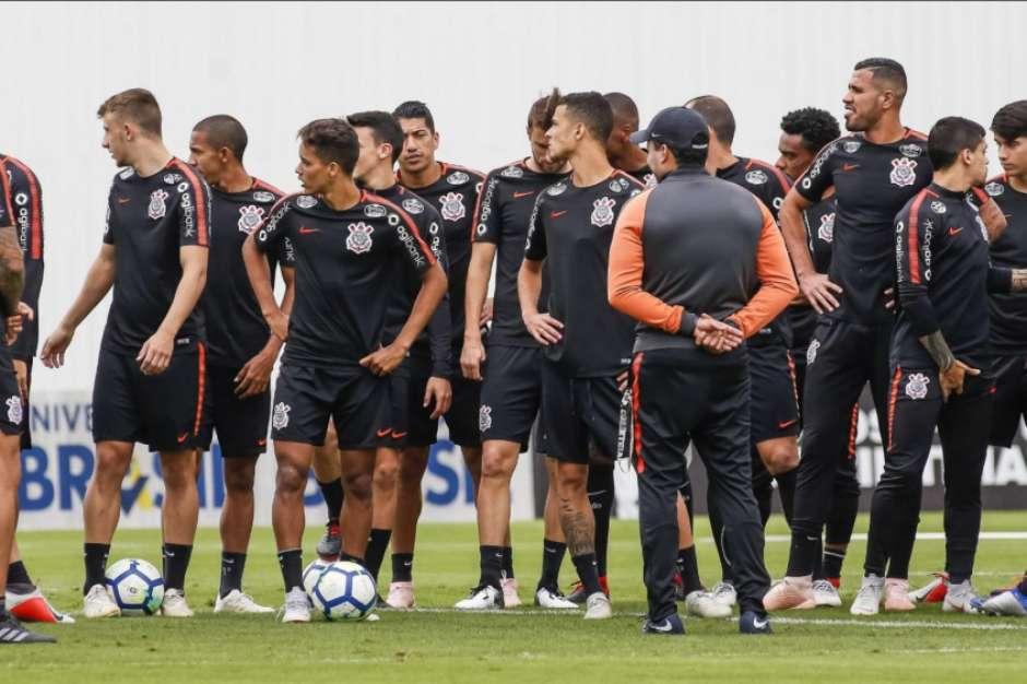 Galo mostra interesse em jogador do Corinthians e pode ceder Luan