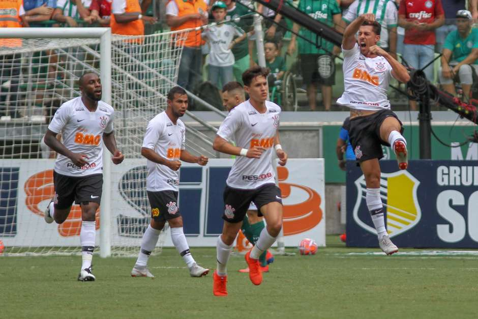 fb0aeb2b2e Corinthians vence de novo o Derby no Allianz