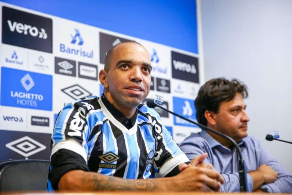 Apresentado ao Grêmio 1140ea38dcfd9
