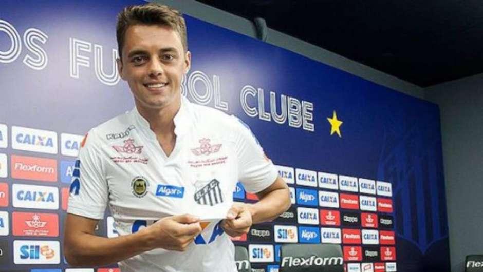 278fec061 Matheus Ribeiro agradece Sampaoli por volta ao Santos e busca nova  oportunidade