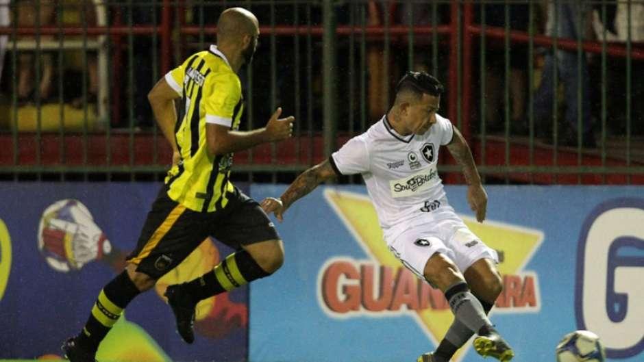 eef576b3242d0 Botafogo joga mal