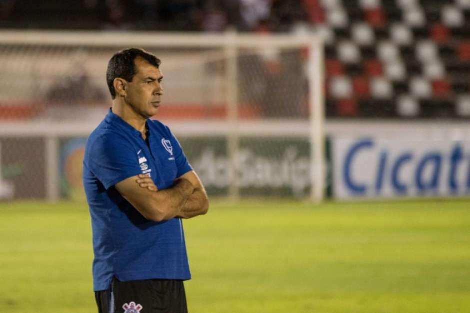 Corinthians não aproveita amistosos durante parada e volta à estaca zero
