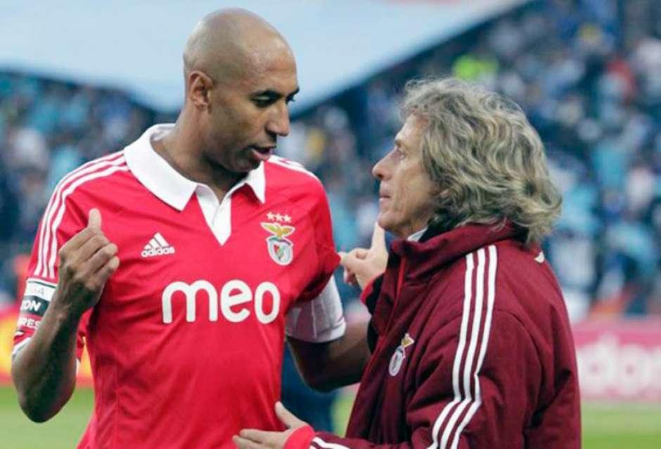 Luisão, ex-jogador treinado por Jesus, explica que o Brasil não está pronto para o sucesso do treinador português