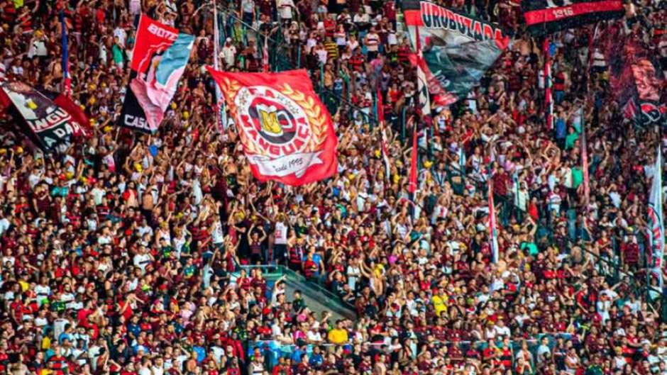 Torcida do Flamengo j� comprou 86 mil ingressos para finais da Ta�a Guanabara e Recopa Sul-Americana