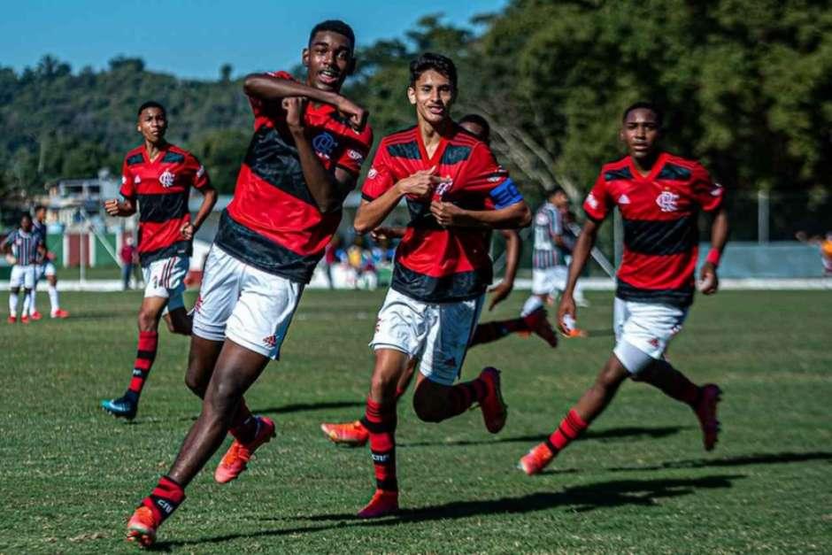 Sub-15: por prêmio para geração afetada pela pandemia, Flamengo encara o Flu em busca do título da Copa Rio