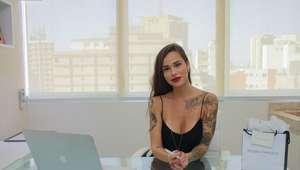 Monike Carrasco se destaca com tatuagens de luxo em SP