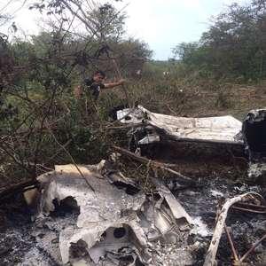 Peru sanciona lei que autoriza derrubar aviões do tráfico