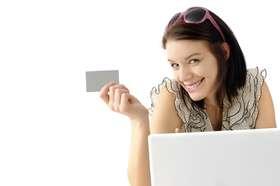 Comprar roupas pela internet é um hábito que vem ganhando espaço cf162c6f831