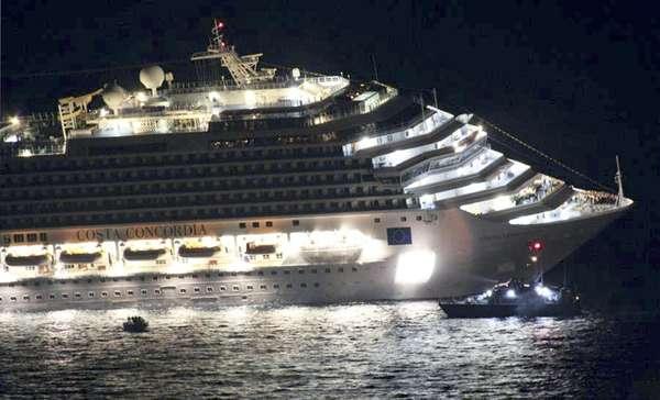 En el Costa Concordia, que naufragó cuando se dirigía desde el puerto de Civitavecchia, a unos 70 kilómetros al norte de Roma, al norteño de Savona, viajaban 4.229 personas, 3.209 de ellas pasajeros, entre ellos 10 colombianos. El lujoso crucero Costa Concordia había salido de la ciudad costera italiana de Savona (norte).