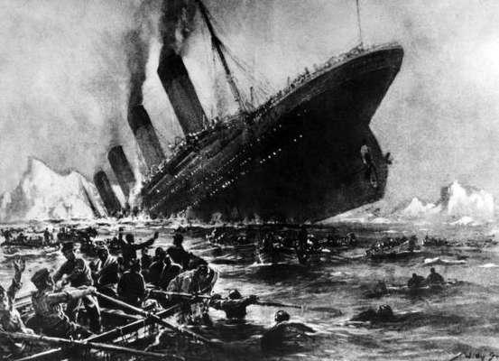 """El RMS Titanic se construyó en los astilleros de Harland and Wolf, en Belfast (Irlanda), con la tecnología más avanzada disponible en la época. El casco estaba dividio en 17 secciones herméticas, por lo que se creía que pese a la rotura de algunas secciones, aún podía mantenerse a flote. Por eso se lo consideró """"insumergible"""". También fue el transatlántico más lujoso de su época."""