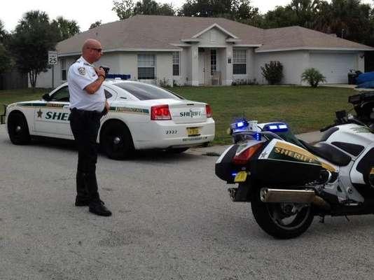 Una madre asesinó este martes a tiros a sus cuatro hijos para después suicidarse en su vivienda de Port St. John, en la costa este de Florida, sur de Estados Unidos, informó la policía.