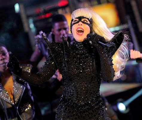 En Yakarta, capital de Indonesia, el próximo 3 de junio se celebraría el concierto de Lady Gaga en el marco de la gira 'Born This Way'. Sin embargo, la comunidad islámica más fervorosa a través del Frente de Defensores Islámicos sentaron su voz de protesta y lograron hacer cancelar el show. Este es uno de los tantos desencuentros que han tenido el fanatismo islámico con el rock y el pop. Terra hace un recuento de los casos más sonados.