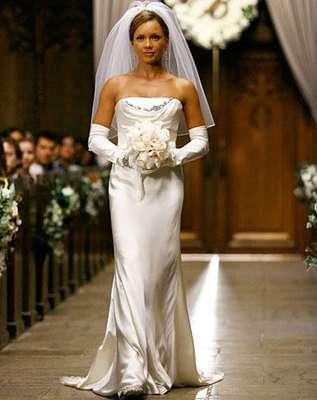 Vanessa Williams: ao viver Betty na série Betty, a Feia, em 2008, a atriz usou um vestido reto tomara-que-caia criado por Vera Wang