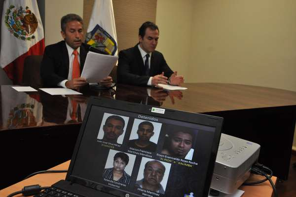 """La Procuraduría de Justicia de Nuevo León desarticuló una banda de secuestradores y homicidas que operaban para el Cártel del Golfo en la zona norponiente de Monterrey, y a quienes se les atribuye el """"levantón"""" y homicidio del animador de Televisa Monterrey, José Luis Cerda Meléndez """"La Gata"""", el 25 de marzo del 2011."""