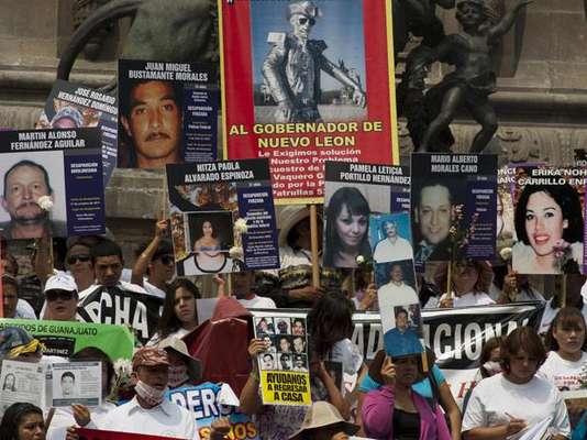 La violencia del crimen organizado sembró de muerte a México en el último lustro pero también deja, sobre todo en el norte del país donde los narcotraficantes imponen su ley, desapariciones de hombres cuyas familias los buscan desesperadamente. Conozcamos algunos casos y el clamor de justicia: