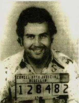 'Escobar el patrón del mal' sigue dando de qué hablar, en esta ocasión la serie viene presentando a nuevos personajes de esta trascendental historia, que tienen un gran parecido en cuanto a la interpretación y el físico de las personas que fueron las protagonistas de estos hechos en la vida real. Conoce a los personajes reales y ficticios de esta historia.
