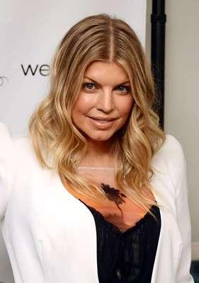 Fergie é uma dessas mulheres que demonstram estar sempre bem com o corpo e com a mente. A cantora compartilhou com o site da revista Self algumas dicas de como se mantém linda e feliz, apesar da agitada vida em cima dos palcos. Confira