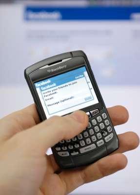 La gran cantidad de aplicaciones disponibles hoy en día para el mercado de los teléfonos inteligentes o las tabletas pueden convertir nuestro dispositivo en una herramienta de lo más útil o en un una videoconsola con antena.