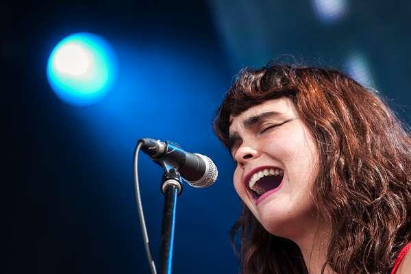 """La cantante nacional sorprendió por sus sonidos experimentales en uno de los conciertos gratuitos más grandes del mundo, el """"rock al parque"""" de Colombia. Acá algunas de las mejores postales"""