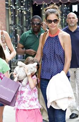 A casi una semana de que Katie Holmes anunciara su decisión de divorciarse de Tom Cruise, la pequeña hija de ambos actores no ha dejado de ser el centro de atención.