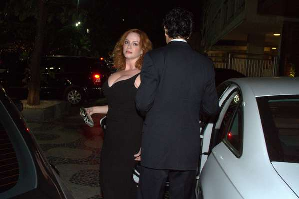 Christina Hendricks veio ao Brasil nesta quarta-feira (11) a convite da Johnnie Walker