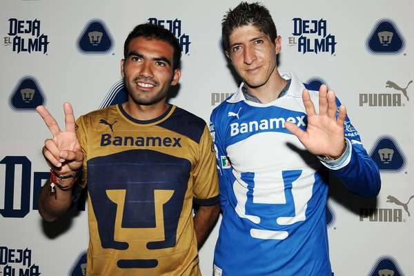 Pumas showed off their new kits ahead of the Apertura 2012 season.