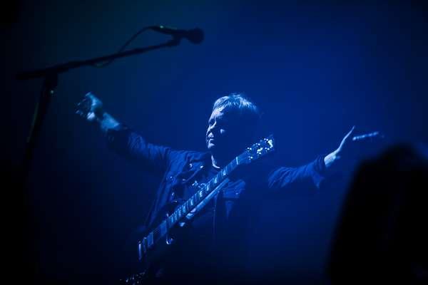 La leyenda mancuniana del pop electrónico New Order ha demostrado hoy en la última jornada del Festival Internacional de Benicàssim que la música traspasa generaciones y no tiene edad. (Texto: EFE)