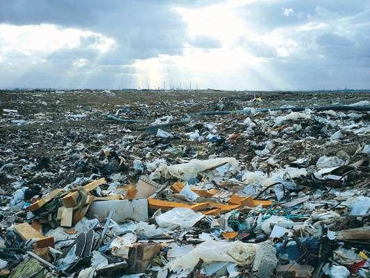 Hasta ahora, la basura tóxica podía ser reducida hasta cierto punto. Cuando ya no tenía más nada por hacerse, se arrojaba a rellenos sanitarios.