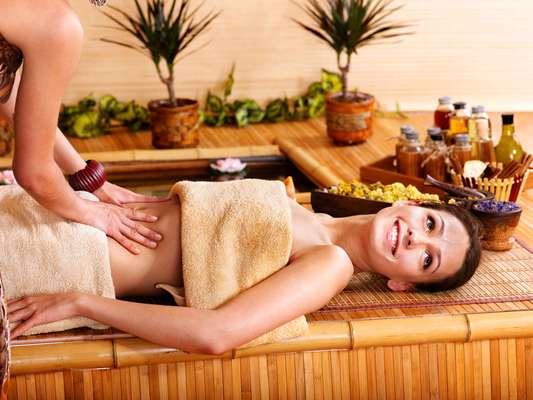 Técnica destoxidrenante mistura método utilizado na drenagem linfática com massagem relaxante