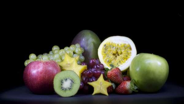 """O colorido das frutas acrescenta beleza à composição do tipo """"natureza morta"""", enviada pela leitora Karine Caldeira"""