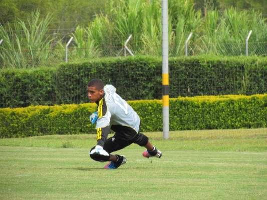 Ante las lesiones de Franco armani y Gastón Pezzuti, el arquero juvenil Cristian Bonilla será la alternativa del técnico Juan Carlos Osorio en el partido de vuelta de la Superliga