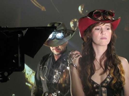 """En exclusiva, les traemos imágenes detrás de cámaras del nuevo video de JotDog titulado """"Corazón De Metal"""", el cual se estrenará en el mercado latino digital en EE.UU. el 31 de julio por Terra.com."""