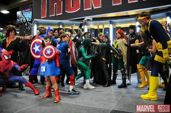 La reciente convención del Comic Con San Diego 2012 fue el escenario inolvidable para los fanáticos de los cómics de Marvel. La empresa Marvel exhibió orgullosa las fotos en su Facebook oficial.