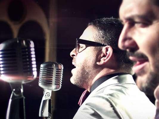 """Luis Enrique estrena el video de """"El Reto"""", la nueva colaboración del músico y el cantautor Reyli Barba. El tema es una versión más pop con rock, pensada para este mágico dueto. El videoclip fue grabado en México, bajo la dirección de Ramón Medina."""