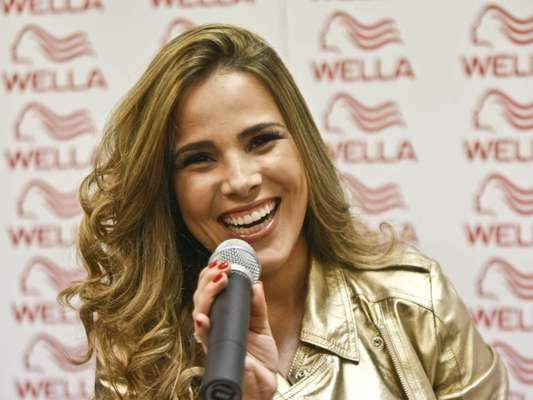 Com os fios levemente ondulados e luzes loiras, a cantora Wanessa foi anunciada como a nova garota-propaganda da Wella, em evento realizado na manhã desta sexta-feira (27) em São Paulo