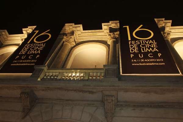 Personalidades nacionales e internacionales asistieron a inaguración del Festival de Cine de Lima.