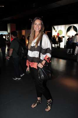 Mariana Weickert prestigiou o segundo dia de Nails Fashion Week