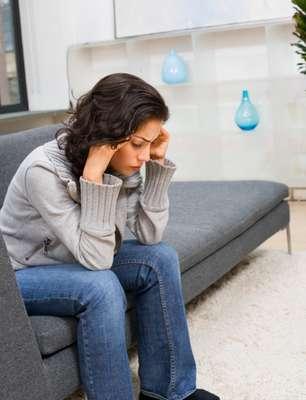 O estresse pode levar à pressão alta, obesidade, doenças cardíacas, ansiedade, depressão. Que tal tentar se livrar dele de maneira natural? Confira 10 dicas listadas pelo médico Manny Alvarez no site da Fox News