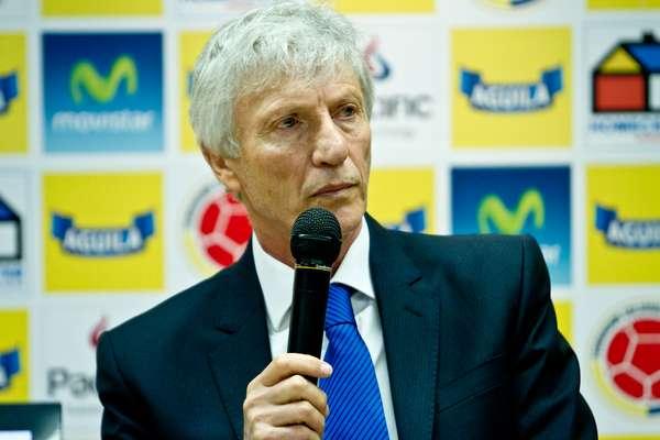 Pékerman citó a los medios en el estadio El Campín, para dar a conocer la lista de convocados para el microciclo en España.
