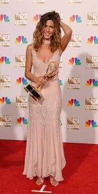 La Mega Buena Nicole Aniston muy sexy en la playa