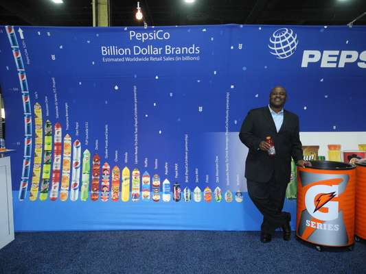 """La empresa PepsiCo lleva más de 40 años comprometida con la comunidad hispana, según dijo a Terra su director de Relaciones Públicas, Timothy """"Tim"""" Russell."""