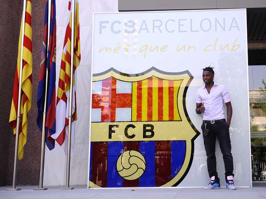 Alex Song was officially introduced as a memeber of FC Barcelona Monday.